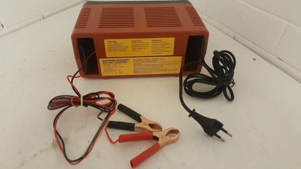 Automatic 12v Battery Charger