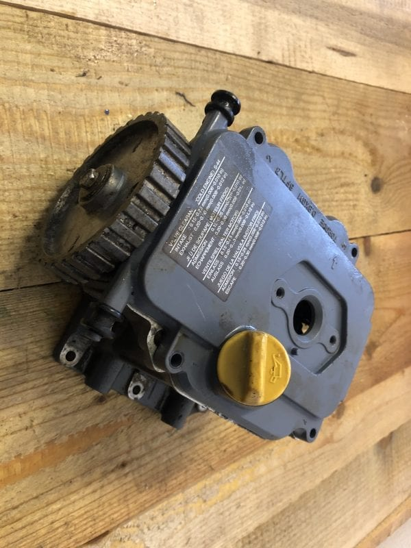 Complete Cylinder Head with Cover plate from a Yamaha 9.9